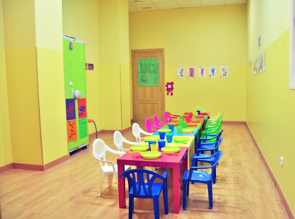 Centro de ocio escuela infantil parla la oreja verde for Comedor de escuela